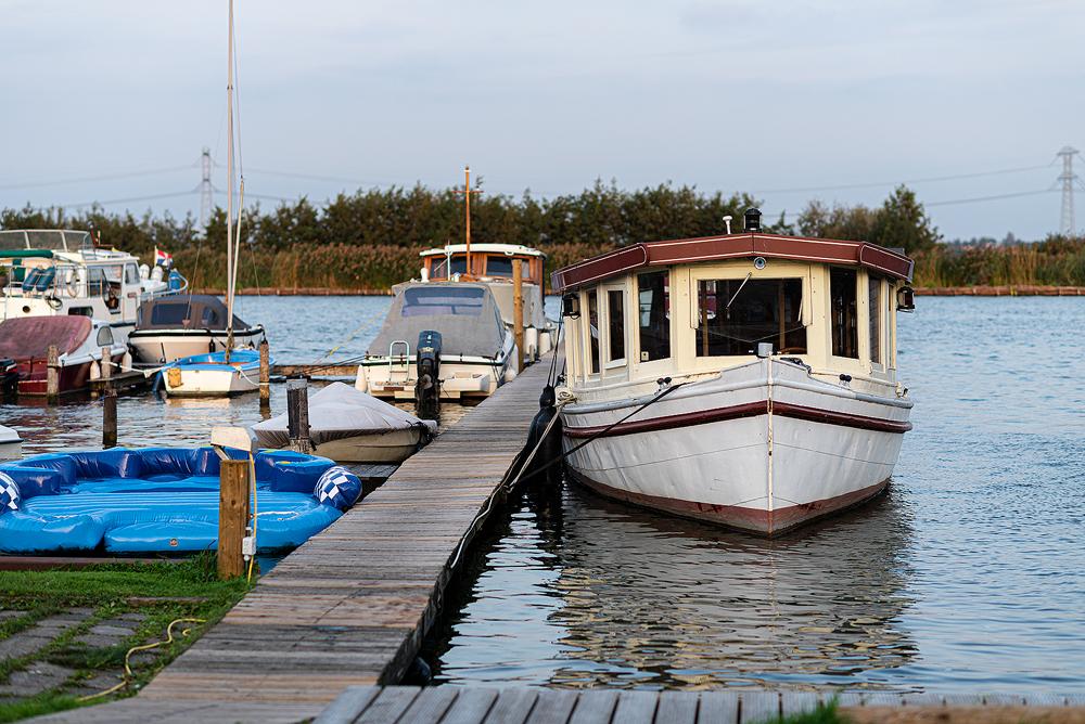 Boot in een haven